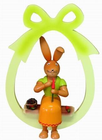 Osterhäsein im Ei sitzend zum Hängen - 30 cm